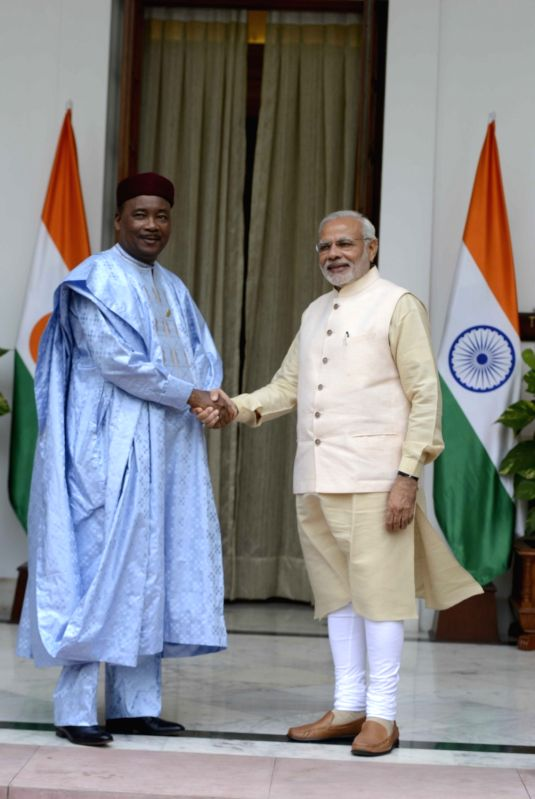 Prime Minister Narendra Modi meets the Niger President Mahamadou Issoufou during the 3rd India Africa Forum Summit, in New Delhi on Oct 28, 2015. - Narendra Modi