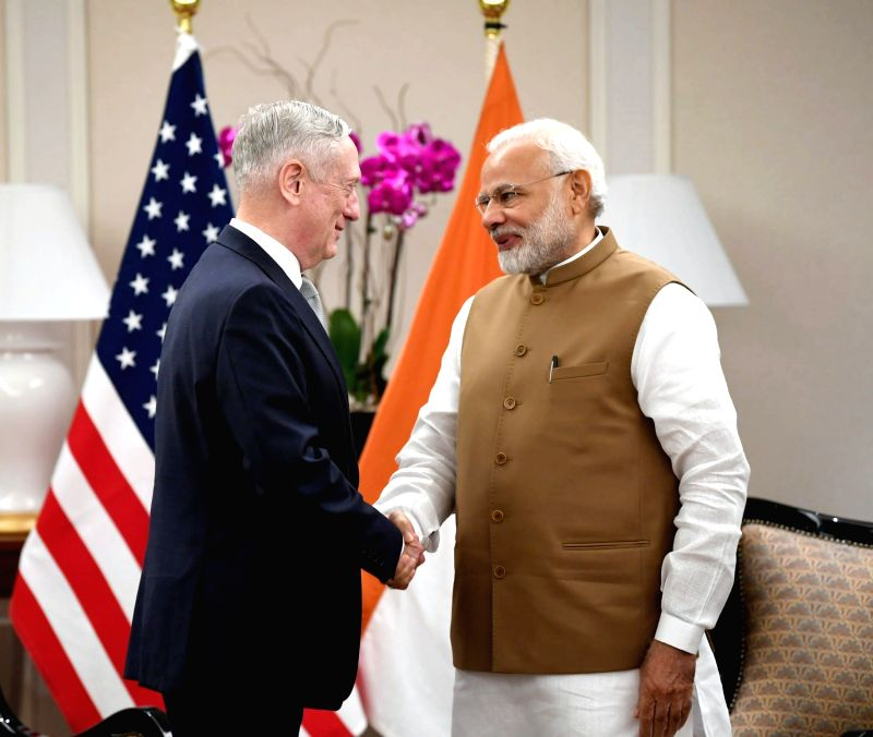 Prime Minister Narendra Modi meets the US Defense Secretary James Mattis in Singapore on June 2, 2018. - Narendra Modi