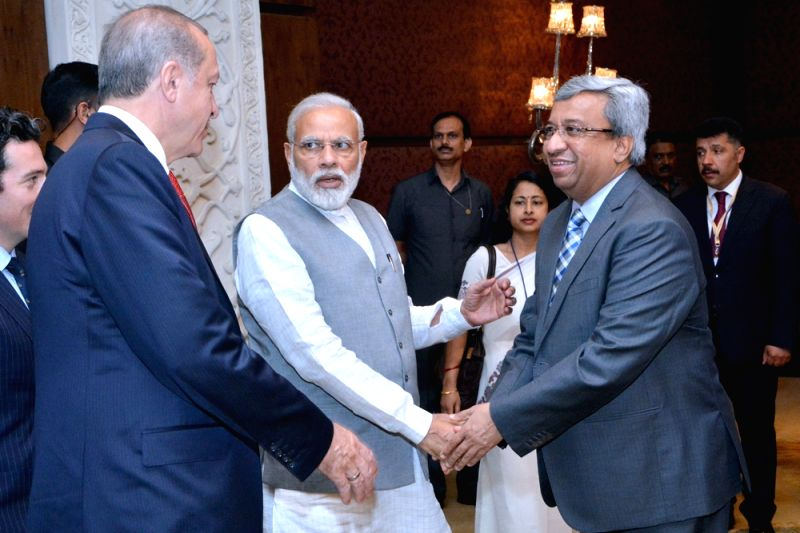 Prime Minister Narendra Modi, Turkish President Recep Tayyip Erdogan and FICCI President and Zydus Cadila- Cadila Healthcare Ltd Chairman and MD Pankaj R Patel at the India-Turkey Business ... - Narendra Modi and Pankaj R Patel