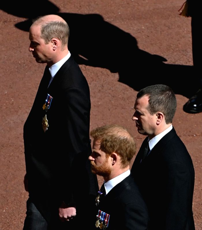 Princes William, Harry chat as they depart chapel together ( cREDIT : dpa) (NOT FOR SALE)