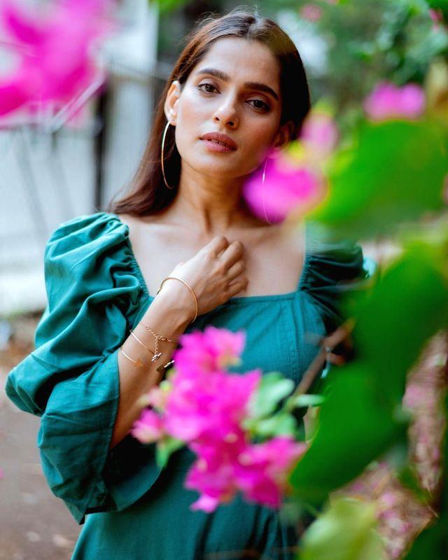 Priya Bapat completes shooting for the web show 'Aani Kay Hava 3
