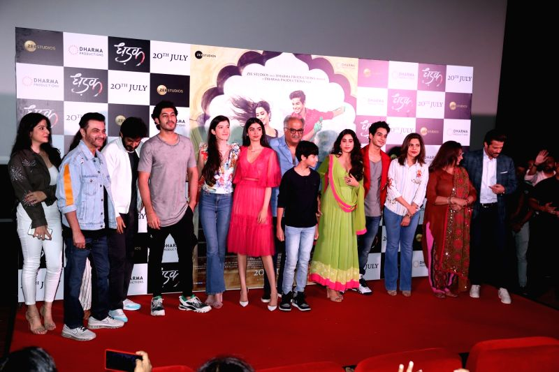 Producer Boney Kapoor along with his daughters Janhvi Kapoor, Khushi Kapoor and brother Anil Kapoor, actor Sanjay Kapoor along with his wife Maheep Sandhu and children Shanaya Kapoor and ... - Sanjay Kapoor, Boney Kapoor, Janhvi Kapoor, Khushi Kapoor, Shanaya Kapoor and Jahaan Kapoor