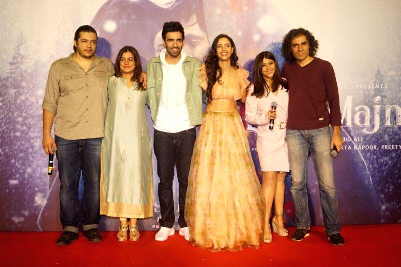 """Producer Ekta Kapoor, filmmaker Imtiaz Ali, actors Avinash Tiwary and Tripti Dimri at the trailer launch of his upcoming film """"Laila Majnu"""" in Mumbai on Aug 7, 2018. - Avinash Tiwary, Tripti Dimri and Ekta Kapoor"""