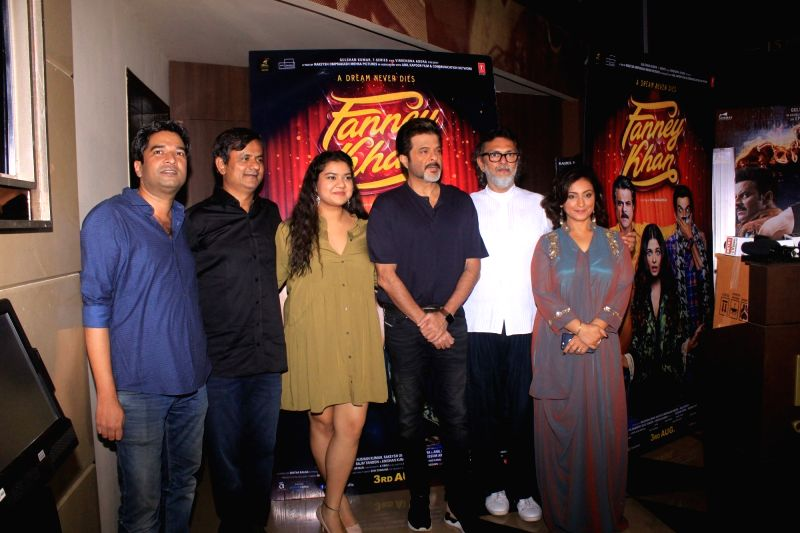 "Producer Rakesh Omprakash Mehra, director Atul Manjrekar, actors Divya Dutta, Pihu Sand and Anil kapoor at the special screening of their upcoming film ""Fanney Khan"" in Mumbai on ... - Atul Manjrekar, Divya Dutta, Pihu Sand, Anil and Fanney Khan"