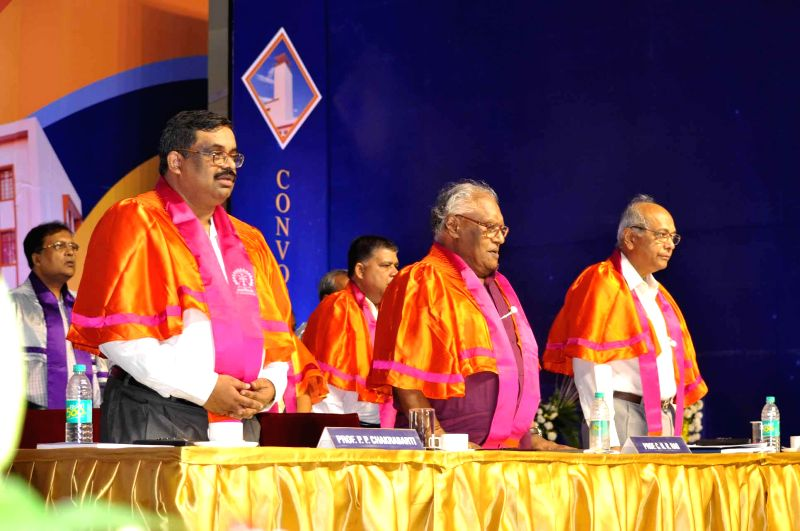 Professor C.N.R Rao (M) with others during 60th annual Convocation of IIT Kharagpur at West Medinipur in West Bengal on July 26, 2014.