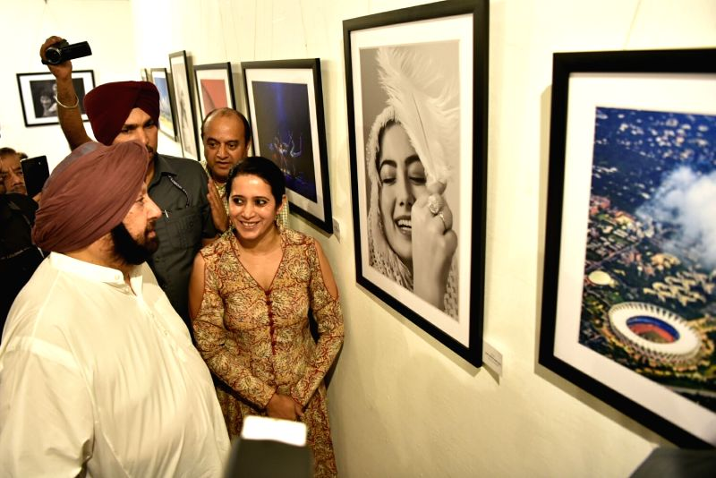 Punjab Chief Minister Capt. Amarinder Singh during the World Photography Day exhibition 'Drishti-2018' organised on the occasion of World Photography Day at Government Museum and Art ... - Capt and Amarinder Singh