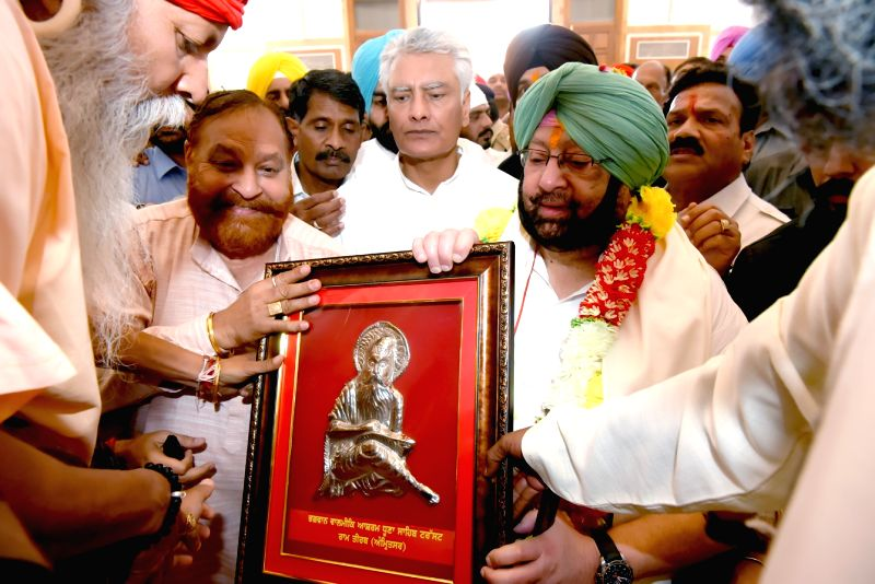 Punjab Chief Minister Captain Amarinder Singh during his visit to Bhagwan Valmiki Tirath Sthal in Amritsar on May 8, 2017. - Captain Amarinder Singh