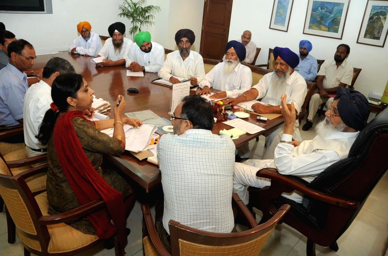 Punjab Chief Minister Parkash Singh Badal during a meeting with a delegation of Punjab Baazigar Front at Chief Ministers' office in Chandigarh on July 8, 2014. - Parkash Singh Badal
