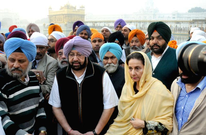 Punjab Congress chief Capt Amarinder Singh visits the Golden Temple in Amritsar, on Dec 1, 2015. - Capt Amarinder Singh