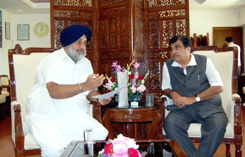 Punjab Deputy Chief Minister Sukhbir Singh Badal calls on Union Road Transport, Highways and Shipping Minister Nitin Gadkari in New Delhi, on April 7, 2016. - Sukhbir Singh Badal