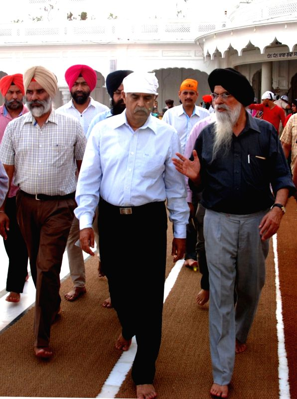 Punjab Director General of Police Suresh Arora pays obeisance at the Golden Temple in Amritsar, on June 2, 2017. - Suresh Arora