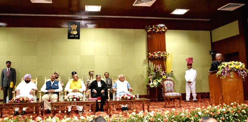Punjab Governor VP Singh Badnore, Chief Minister Captain Amarinder Singh, Haryana Governor Kaptan Singh Solanki, Chief Minister Manohar Lal Khattar and newly sworn-in Chief Justice of the ... - Captain Amarinder Singh, Kaptan Singh Solanki and Manohar Lal Khattar