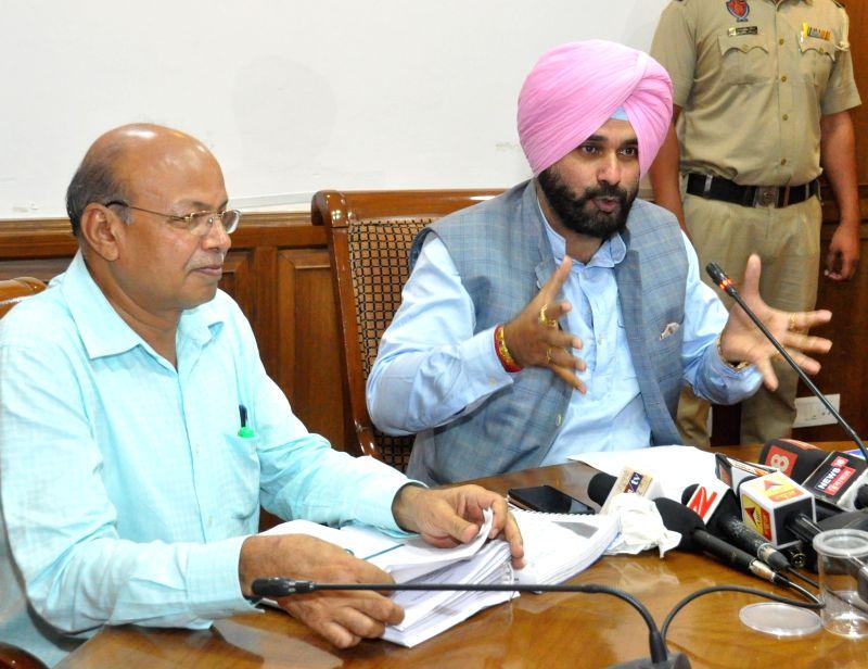 Navjot Singh Sidhu's press conference - Navjot Singh Sidhu