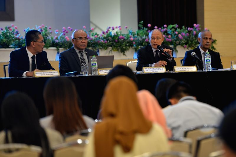 PUTRAJAYA, July 30, 2018 - Kok Soo Chon (2nd R), head of the Malaysian International Civil Aviation Organization Annex 13 Safety Investigation Team for MH370, speaks at a press conference in ...