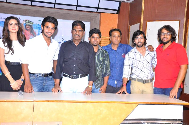 Pyar Mein Padipoyane film success meet held at Hyderabad on 15th May evening.