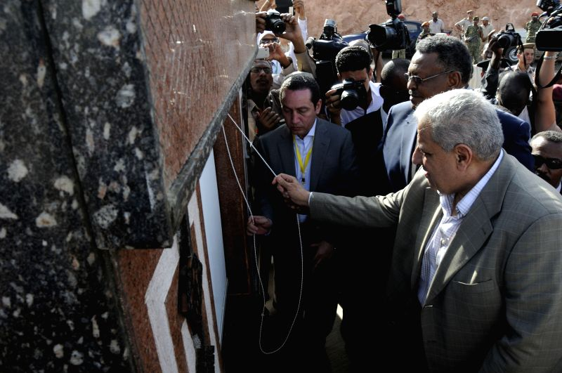 QASTAL-Egyptian Prime Minister Ibrahim Mahlab(front) and Sudanese First Vice-President Bakry Hassan Salih attend the official inauguration ceremony at ... - Ibrahim Mahlab and Bakry Hassan Salih