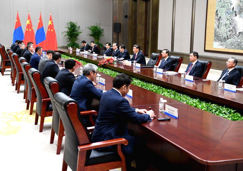 QINGDAO, June 10, 2018 - Chinese President Xi Jinping meets with his Mongolian counterpart Khaltmaa Battulga in Qingdao, east China's Shandong Province, June 10, 2018.