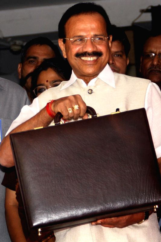 Railway Minister D.V. Sadanand Gowda at Rail Bhavan before going to present railway budget at Pariament, New Delhi on July 8, 2014. - D.