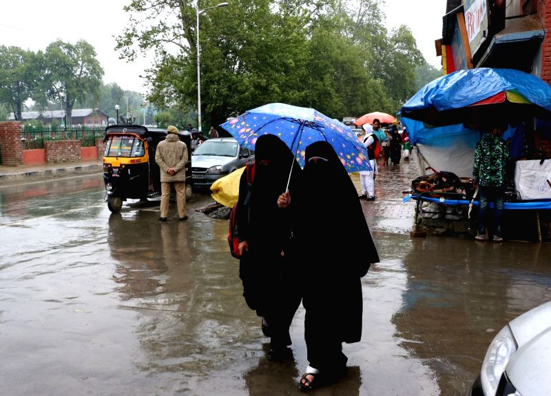 Rains lash Srinagar on May 4, 2016.