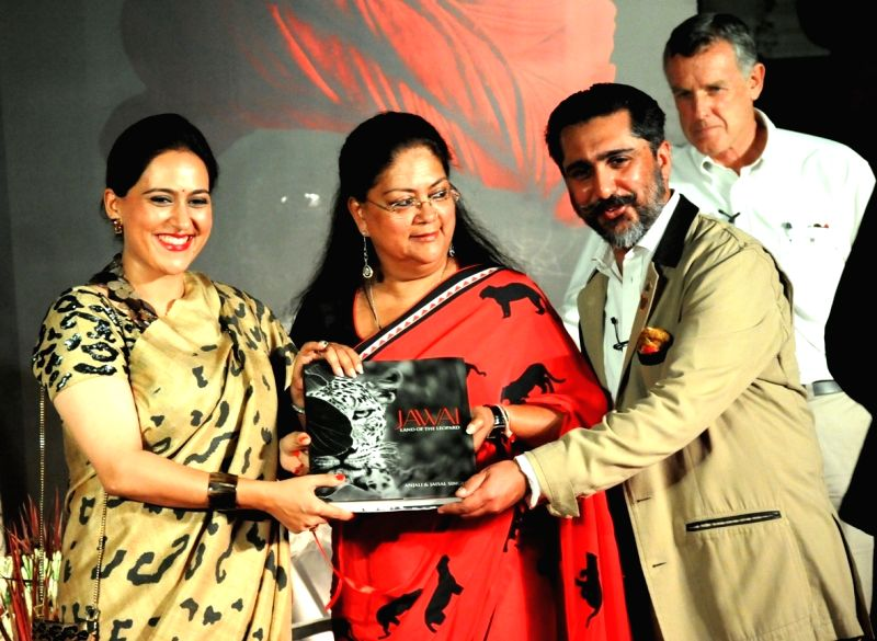 Vasundhara Raje release the book 'Jawai - Land of the Leopard - Vasundhara Raje, Anjali Singh and Jaisal Singh