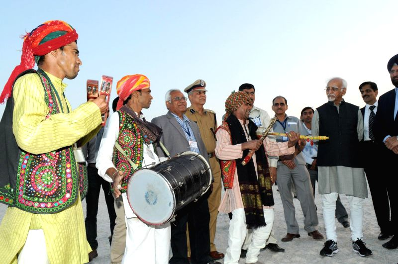 Ran of Kachch: Vice President Mohd. Hamid Ansari visiting the White Desert in Ran of Kachch, in Gujarat, on Feb 3, 2015.