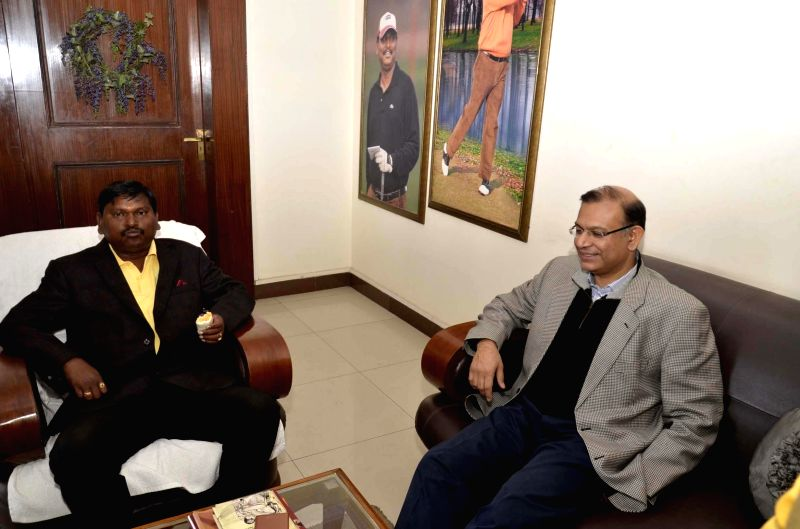 The Union Minister of State for Finance Jayant Sinha with former Jharkhand Chief Minister Arjun Munda in Ranchi on Dec 25, 2014.