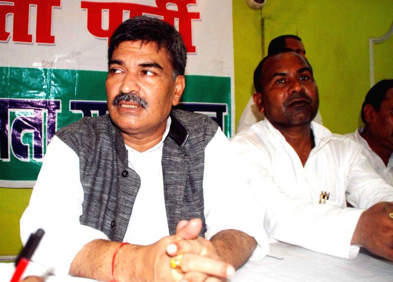 Rashtriya Lok Samta Party ( RSLP) chief  Arun Kumar addresses a press conference in Patna on Aug 25, 2014. - Arun Kumar