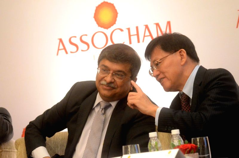 RBI Executive Director Sudarshan Sen with FCI Asia Chapter Director Lee Kheng Leongat Global Factoring Summit in Mumbai, on May 5, 2017.
