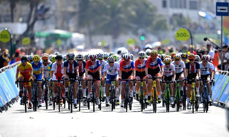 RIO DE JANEIRO, Aug. 7, 2016 - Players compete during the women's cycling road race final in Rio de Janeiro, Brazil, on Aug. 7, 2016. Breggen won gold medal. (Xinhua/Li Ga/IANS