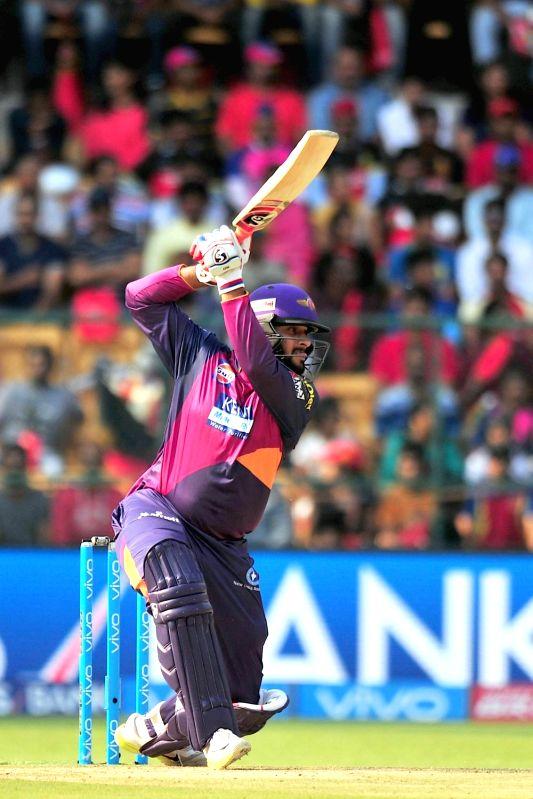 Rising Pune Supergiants batsman Saurabh Tiwar in action during an IPL match between Royal Challengers Bangalore and Rising Pune Supergiants at M Chinnaswamy Stadium in Bengaluru on May 6, ... - Saurabh Tiwar