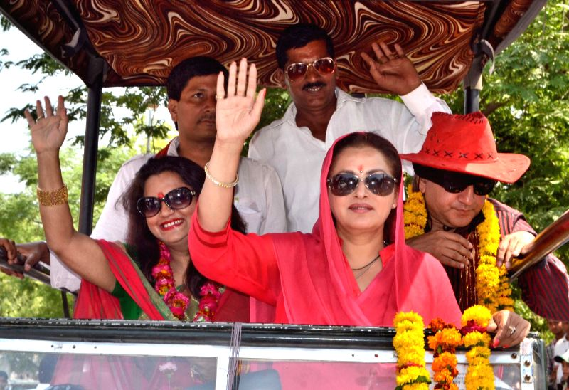 RLD candidate for 2014 Lok Sabha Election from Bijnor, actress Jaya Prada during an election campaign in Fatehpur Sikri on April 22, 2014.