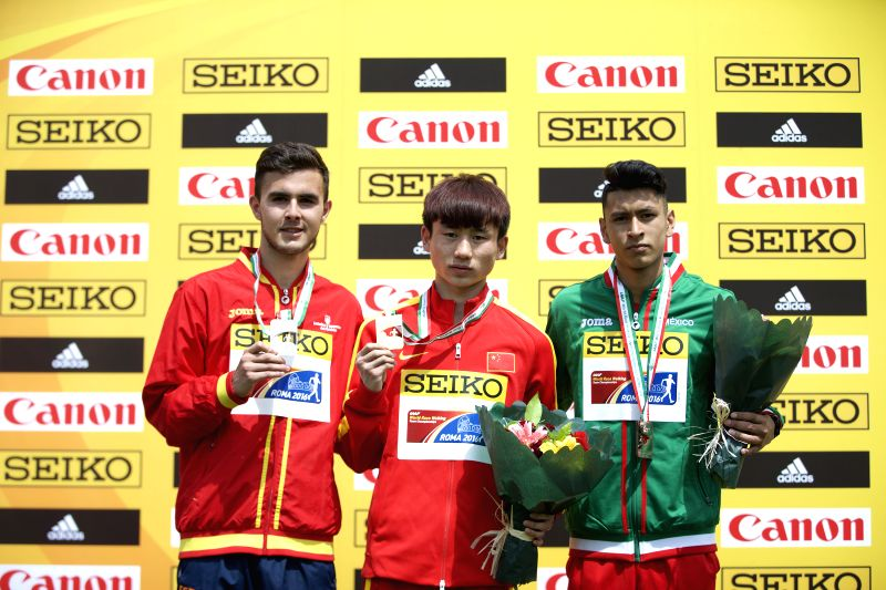 ROME, May 7, 2016 - Gold medalist Zhang Jun(C) of China, silver medalist Manuel Bermudez (L) of Spain and bronze medalist Noel Ali Chama of Mexico during the awarding ceremony for the Men's 10km U20 ...