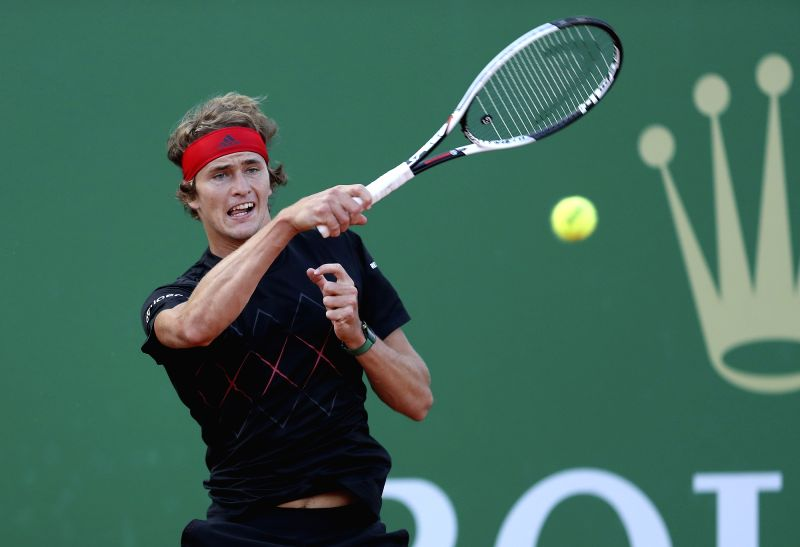 ROQUEBRUNE-CAP-Alexander Zverev of Germany returns the ball to Gilles Muller of Luxembourg during the second round match of 2018 Monte-Carlo Masters in ...