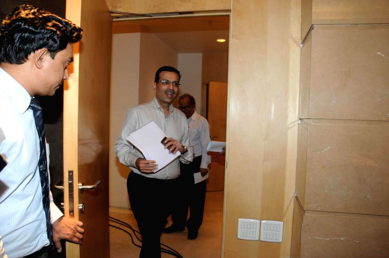 RP-Sanjiv Goenka Group chairman Sanjiv Goenka arrives to address a press conference in Kolkata on July 25, 2014. - Sanjiv Goenka Group