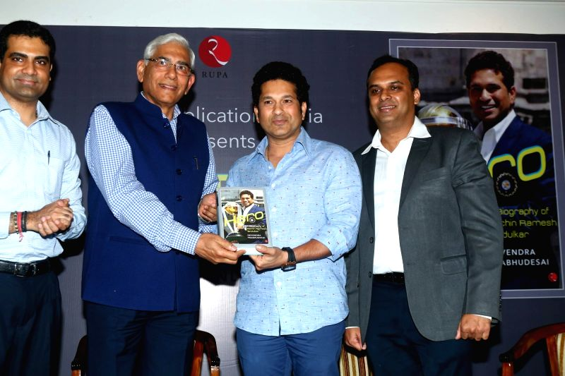 Rupa Publications MD Kapish Mehra, Chairman of Committee of Administrators, BCCI, Vinod Rai, former cricket player Sachin Tendulkar and author Devendra Prabhudesai during the launch of book ... - Sachin Tendulkar and Vinod Rai