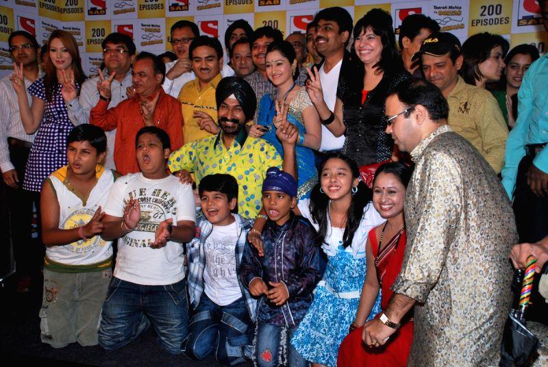 "SAB TV Show ""Tarak Mehta Ka Ooltah Chashmah"" Completes 200 Episodes."