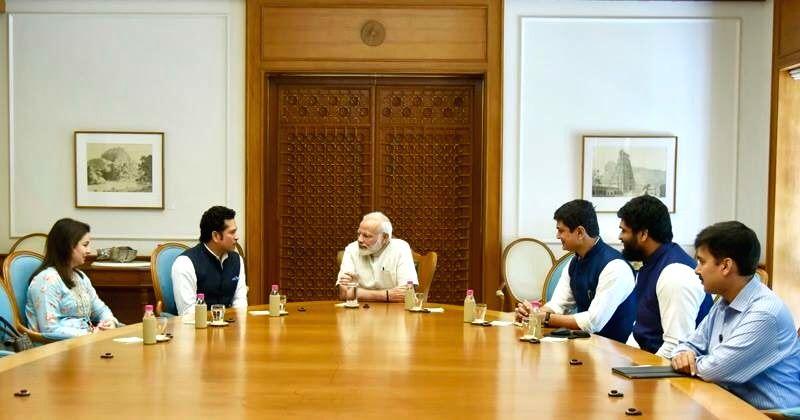 Sachin Tendulkar meets Narendra Modi - Sachin Tendulkar and Narendra Modi