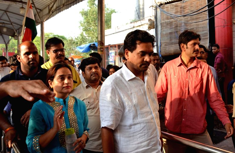 Sacked Water Minister Kapil Mishra visits Hanuman temple at Connaught Place in New Delhi, on May 13, 2017. - Kapil Mishra