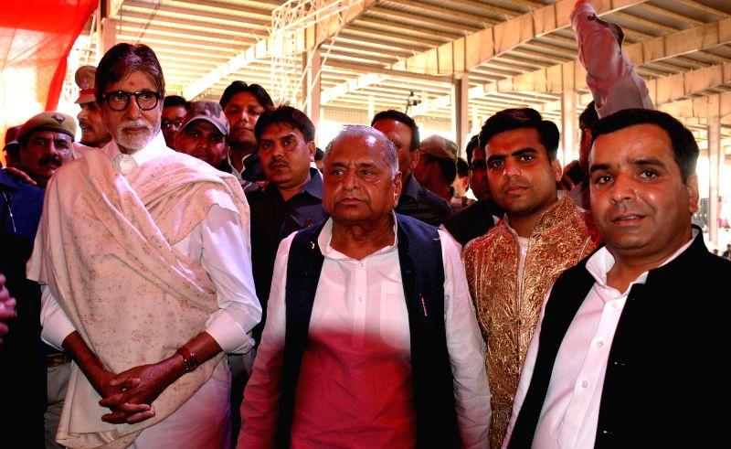 Actor Amitabh Bachchan with Samajwadi Party chief Mulayam Singh Yadav during the Tilak ceremony of Tej Pratap Singh Yadav, grand-nephew of Mulayam Singh Yadav and Raj Laxmi, daughter of Lalu ...