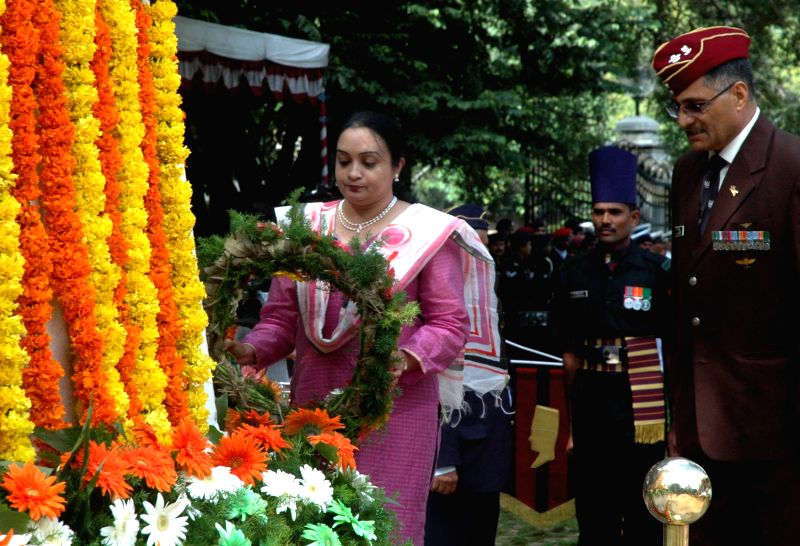Salma Ghori Khan wife of late Major Shafeeq Mohhamud Khan Ghori pays tribute to the soldiers who sacrificed their lives on the occasion of Kargil Vijay Diwas at the National Military ... - Salma Ghori Khan