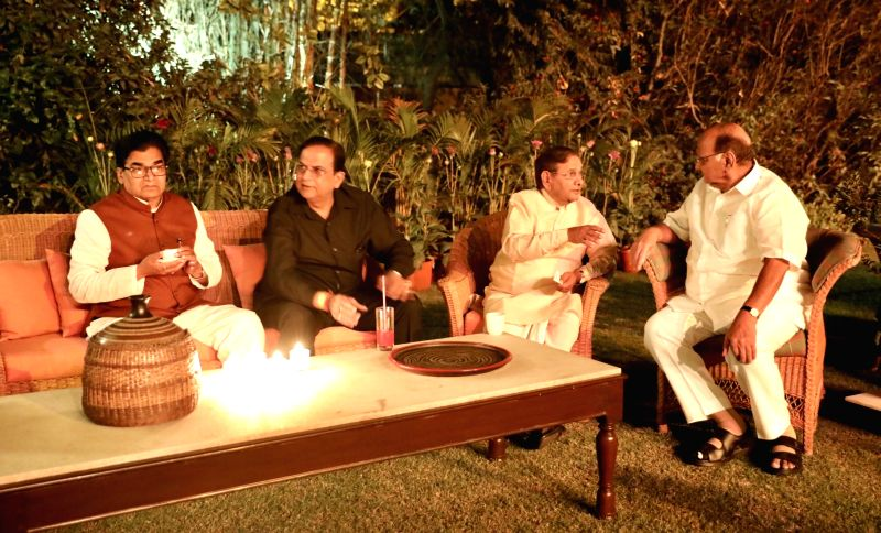 Samajwadi Party leader Ram Gopal Yadav, BSP leader Satish Chandra Misra, expelled JD(U) reader Sharad Yadav and NCP chief Sharad Yadav during a dinner hosted by UPA Chairperson Sonia ... - Gopal Yadav, Sharad Yadav and Sonia Gandhi