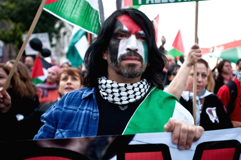 Residents take part in a protest against the Israeli offensive on Gaza Strip in Santiago, capital of Chile, on Aug. 2, 2014.