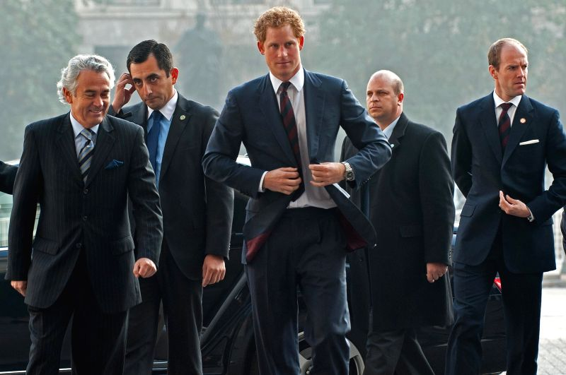 Chilean President Michelle Bachelet (R) meets with Prince Harry of Britain at La Moneda presidential palace in Santiago, capital of Chile, on June 27, 2014. Prince