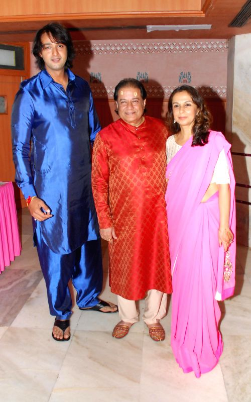 Saurabh Raaj Jain along with Anup Jalota and Vandana somaiya during the album launch of Bhakti Vandana in Mumbai, on August 12, 2014. - Saurabh Raaj Jain