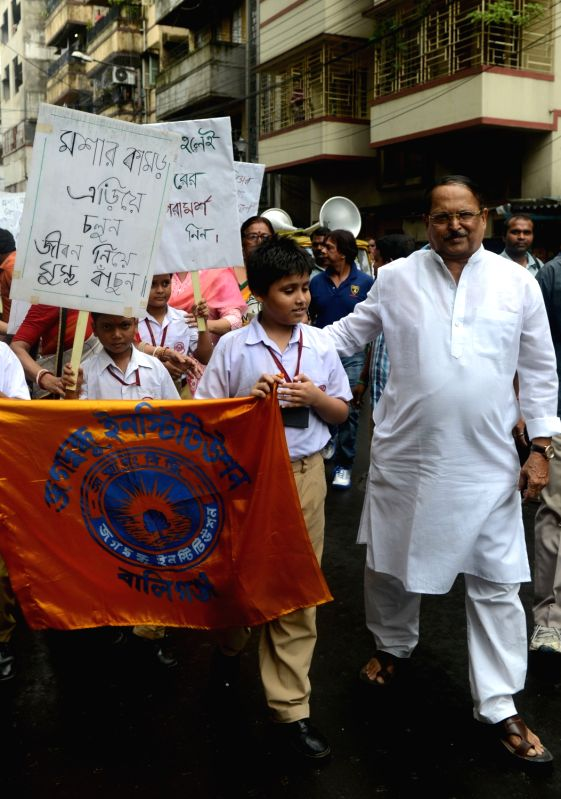 School students participate during an awareness campaign rally against 'Dengue Fever' in Kolkata on Aug 6, 2016.