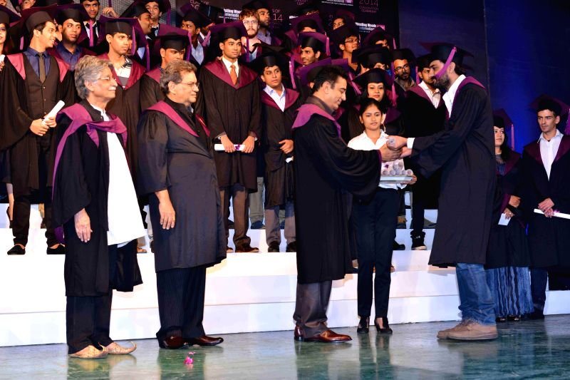 Screenwriter Javed Siddiqui, Bollywood actor Kamal Hassan, filmmaker and founder Whistling Woods International Subash Ghai during Whistling Woods International's 7th Annual convocation in Mumbai on .. - Kamal Hassan and Javed Siddiqui