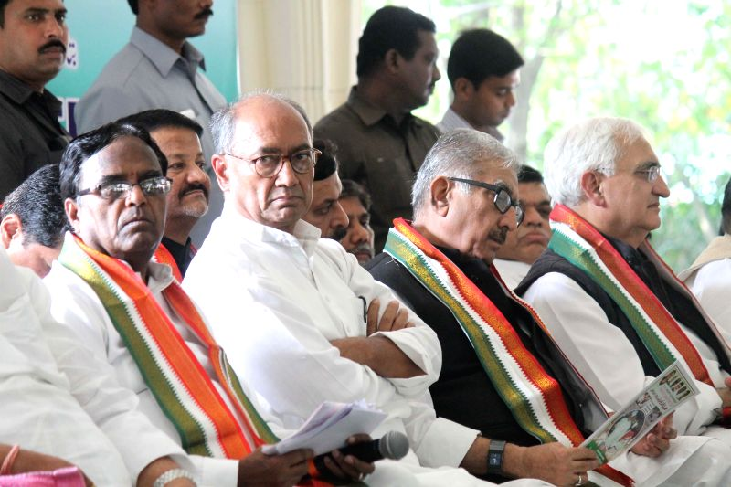 Telangana Congress chief Ponnala Lakshmaiah, Congress General Secretary Digvijay Singh, Party leader Salman Khurshid and others during a party meeting in Secunderabad on Nov 23, 2014.