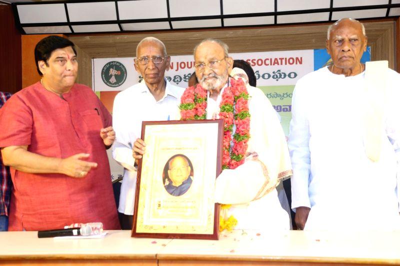 Senior Journalists Association Felicitates Dadasaheb Phalke K Viswanath.