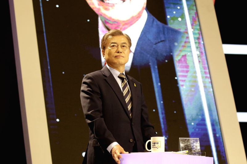 SEOUL, May 2, 2017 - South Korean presidential candidate Moon Jae-in of the Democratic Party of Korea prepares for a televised debate for the upcoming May 9 presidential election in Seoul on May 2, ...
