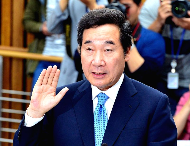SEOUL, May 24, 2017 - Lee Nak-yon, the prime minister nominee of the Moon Jae-in administration, swears an oath during his confirmation hearing at the National Assembly in Seoul, South Korea, May 24, ...